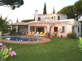 3 bedroom Villa in Vale do Garrao, Faro, Portugal : ref 5480006