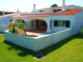 3 bedroom Villa in Vale do Lobo, Faro, Portugal : ref 5480004