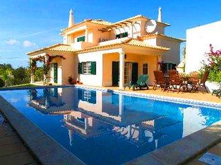 3 bedroom Villa in Almancil, Faro, Portugal : ref 5479997