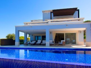 4 bedroom Villa in Vale do Garrao, Faro, Portugal : ref 5479991