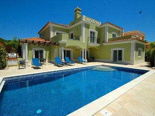 4 bedroom Villa in Vale do Garrao, Faro, Portugal : ref 5479982