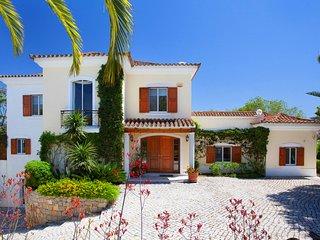 Quinta do Lago Villa Sleeps 10 with Pool Air Con and WiFi - 5479972
