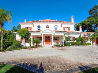 4 bedroom Villa in Quinta do Lago, Faro, Portugal : ref 5479971