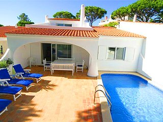 3 bedroom Villa in Vale do Lobo, Faro, Portugal : ref 5479938