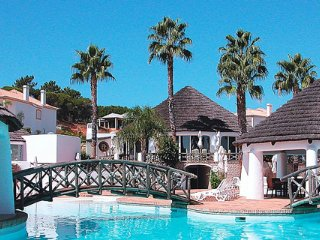 Quinta do Lago Apartment Sleeps 4 with Pool Air Con and WiFi - 5480343