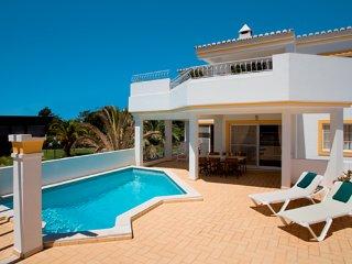2 bedroom Villa in Quinta do Lago, Faro, Portugal : ref 5479899