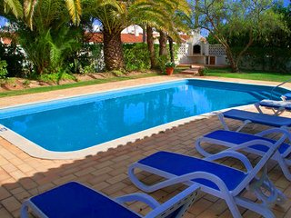 Quinta do Lago Villa Sleeps 6 with Pool Air Con and WiFi - 5479889