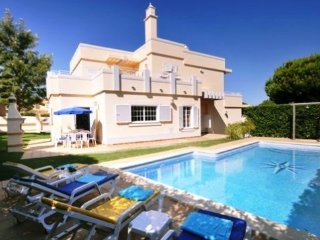 4 bedroom Villa in Vale do Garrao, Faro, Portugal : ref 5479872