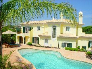 4 bedroom Villa in Vale do Lobo, Faro, Portugal : ref 5479861