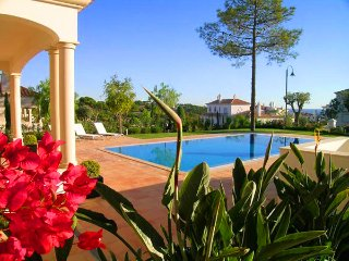 4 bedroom Villa in Vale do Garrao, Faro, Portugal : ref 5479843