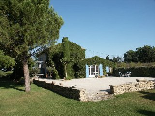 4 bedroom Villa in Cavaillon, Provence-Alpes-Cote d'Azur, France : ref 5479026