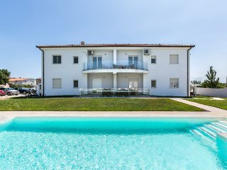 Villa Smilje A4 apartment with pool, WiFi, grill