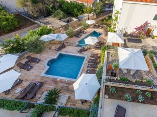 Apartment Fides with Swimming Pool IX