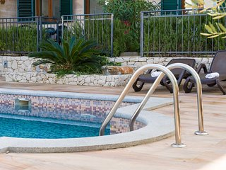 Apartment Fides with Swimming Pool VIII