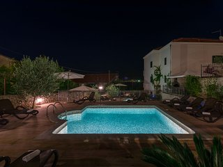 Apartment Fides with Swimming Pool III