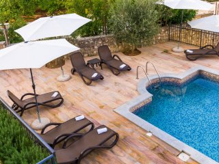Apartment Fides with Swimming Pool V