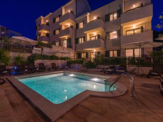 Apartment Justicia with Swimming Pool II