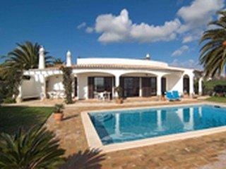 4 bedroom Villa in Senhora da Luz, Faro, Portugal : ref 5476283