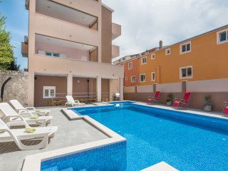 Apartment in Villa Santos with Swimming Pool II