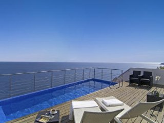 5 bedroom Villa in Salema, Faro, Portugal : ref 5476237