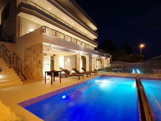 Studio Apartment in Ultra Luxury Villa EnJoy V