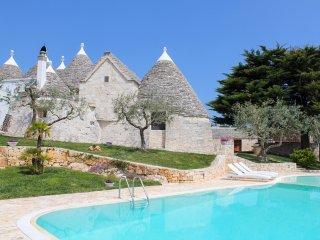 3 bedroom Villa in Locorotondo, Apulia, Italy : ref 5473253