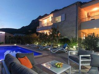 Veliko Brdo Apartment Sleeps 8 with Pool Air Con and WiFi - 5471858