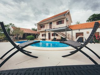 Four bedroom house Sonkovic, Krka (K-13362)