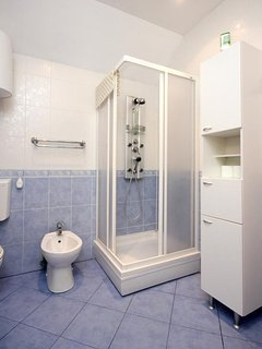 Bathroom 1, Surface: 7 m²