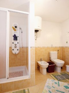 Bathroom 2, Surface: 7 m²