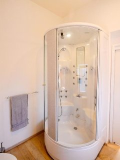Bathroom 3, Surface: 6 m²