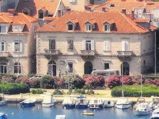 Three bedroom apartment Dubrovnik (A-9058-a)