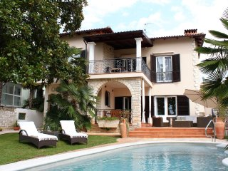 Comfortable and spacious house Umag (K-6931)