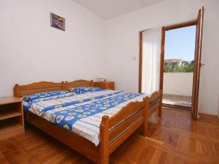 Four bedroom apartment Biograd na Moru, Biograd (A-6245-b)