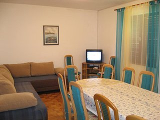 Comfortable and spacious apartment Nin, Zadar (A-6153-a)