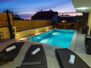 Grgomicic Apartment Sleeps 4 with Pool and Air Con - 5465395