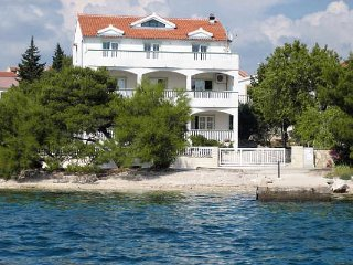 Three bedroom apartment Brodarica (Sibenik) (A-4195-a)