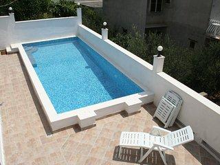 Hvar Apartment Sleeps 5 with Pool and Air Con - 5462173