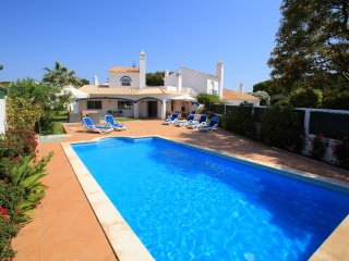 3 bedroom Villa in Vale do Garrao, Faro, Portugal : ref 5455869