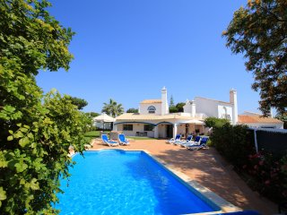 3 bedroom Villa in Vale do Garrao, Faro, Portugal : ref 5480087