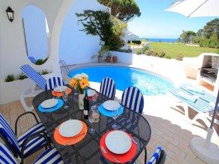 3 bedroom Villa in Vale do Lobo, Faro, Portugal : ref 5455840