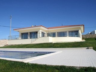 3 bedroom Villa in Foz do Arelho, Leiria, Portugal : ref 5455690