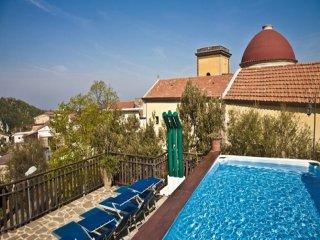 6 bedroom Villa in Ticciano, Campania, Italy : ref 5455683