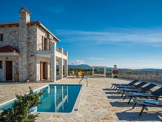 Villa Leonidas