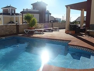 Nerja Villa Sleeps 8 with Pool and Air Con - 5000435