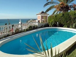 Nerja Villa Sleeps 4 with Pool - 5000465