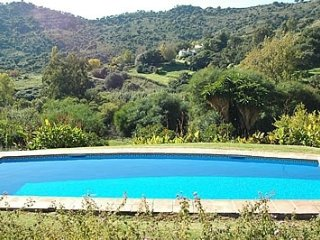 Casares Villa Sleeps 20 with Pool and Air Con - 5000404