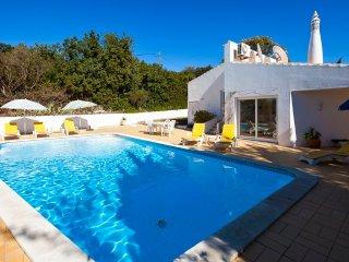 3 bedroom Villa in Carvoeiro, Faro, Portugal : ref 5454886