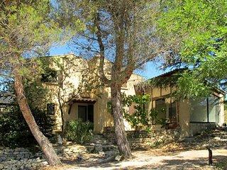 4 bedroom Villa in Saint-Hilaire-d'Ozilhan, Occitania, France : ref 5452711