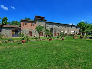 9 bedroom Apartment in Cortona, Tuscany, Italy : ref 5452367